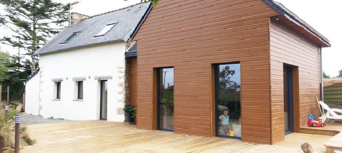 Une extension en ossature bois avec terrasse